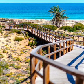 Spain: 8 days on the beach at a great hotel and flights only 497 DKK