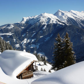 4 days in Austria with private alpine charlet, breakfast, fondue & wellness from 2899 kr