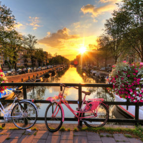 city break during the weekend: 3 days Amsterdam with good 4* hotel only 723 kr