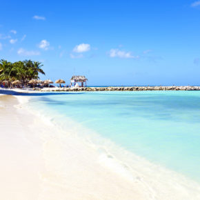 Super cheap roundtrip flights to Aruba only 1675kr
