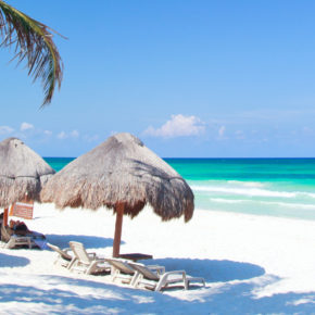 Mexico: 15 days on Cozumel with 3* beachfront hotel, breakfast & flights only 4064 SEK / 414 €