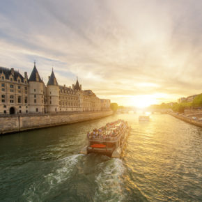 Weekend in Paris: 2 days at great 3* hotel with breakfast only 295kr