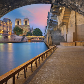 Weekend in Paris: 3 days at great 4* hotel with breakfast only 888kr