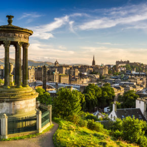 3 days city break to Edinburgh with accomodation & flights only 319 kr