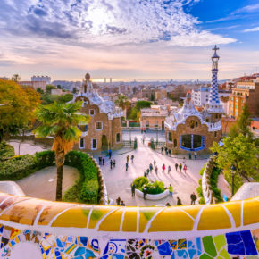 Barcelona: 3 days with central hotel incl. breakfast & flights just 1019 DKK