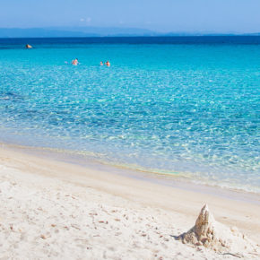 Greece: 8 days on Chalkidiki at a 3* hotel with flights only 733 DKK