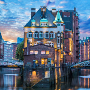 City Break: 2 days in Hamburg at great 4* hotel from 295kr