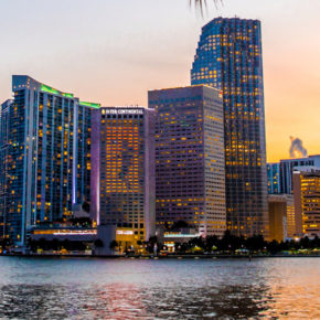 8 days in Miami Beach with beach accommodation, half board & flights only 3165 DKK