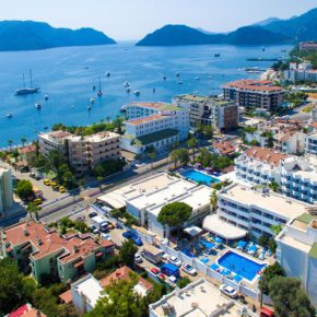 7 days to Marmaris, Turkey at an all-inclusive 4* hotel incl. flights & transfer from 3129 kr