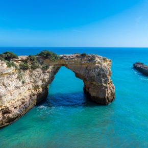 Fly & Drive Algarve: 8 days to Portugal with flights & rental car only 774 kr