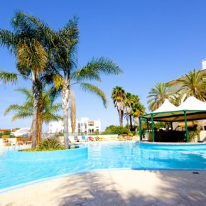 7 days Algarve with a great 4* hotel, breakfast, flights & transfer from only 2497 kr