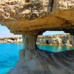 Cyprus: 8 days on the dream island with flights & hotel just 1590 kr