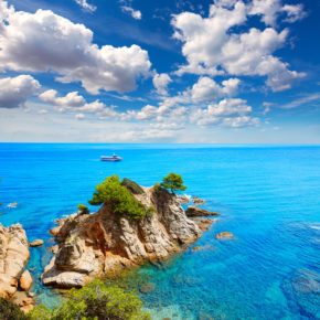 Spain: 6 days in Lloret de Mar with flights & great hotel just 689 DKK