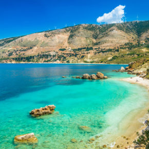 Roundtrip flights to beautiful Kefalonia only 298 kr