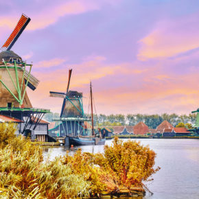 Netherlands: Short trip to Amsterdam with 3* hotel & breakfast only 258kr