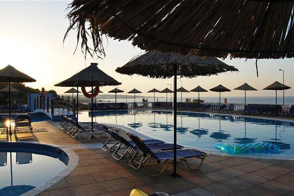 Mediterraneo Hotel Pool