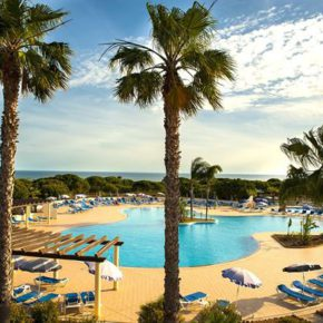 Portugal: 8 days Algarve at amazing 4* hotel with all inclusive, flights & transfers only 3619 kr